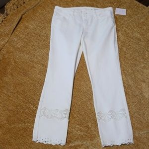 Perfect white crop pants